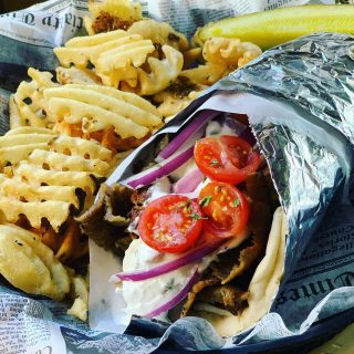Happy Friday! Start your weekend off at Niko's with a gyro and $3 Fathead's Fat Niko 🍻